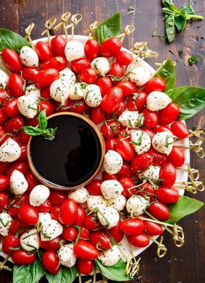 Венец от чри домати и моцарела